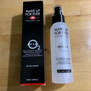 Make Up For Ever Most and Fix Spray
